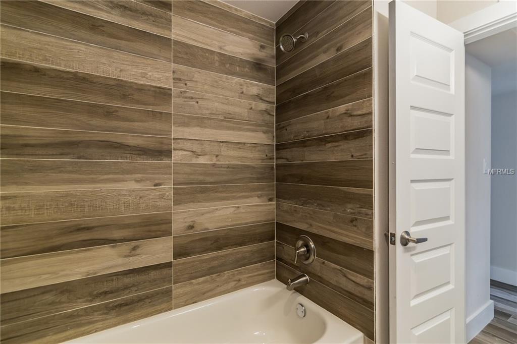 hall bath2